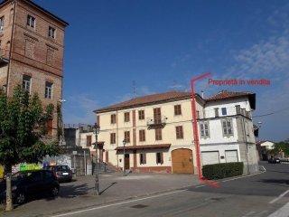 Foto 1 di Rustico / Casale piazza Vittorio Veneto 6, Revigliasco D'asti