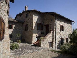 Foto 1 di Palazzo / Stabile via La Valle, Valsamoggia