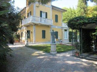 Foto 1 di Villa RICCIONE ZONA ABISSINIA, Riccione