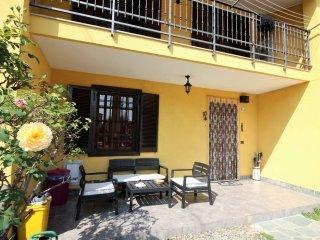 Foto 1 di Casa indipendente via astrua, Val Della Torre