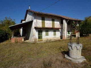 Foto 1 di Rustico / Casale via Roma 40, La Morra