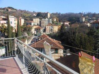 Foto 1 di Trilocale via Giovanni Campora, Campomorone
