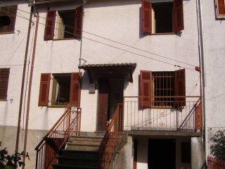 Foto 1 di Casa indipendente Località Corsiglia, frazione Corsiglia, Neirone