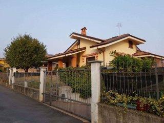 Foto 1 di Villa via DEL BOSCHETTO, 7/2, Frossasco
