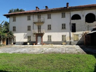 Foto 1 di Rustico / Casale frazione Valperosa, Tigliole