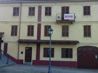 Foto 1 di Rustico / Casale piazza Vittorio Veneto 5, Revigliasco D'asti