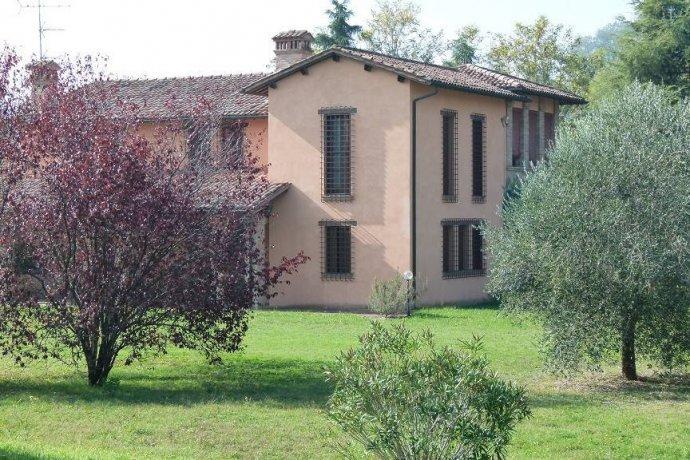 Foto 2 di Villa via Goccianello, Imola
