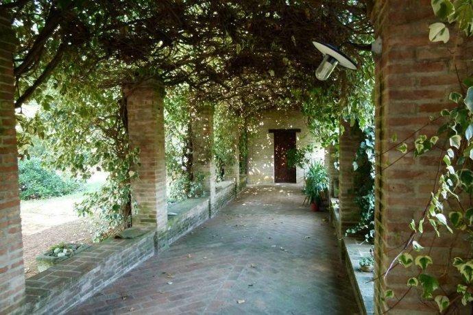 Foto 4 di Villa via Goccianello, Imola