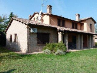 Foto 1 di Villa via Goccianello, Imola