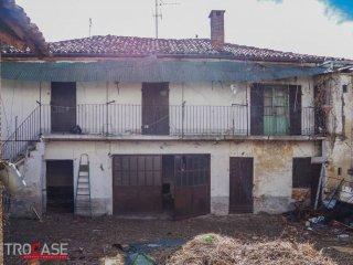 Foto 1 di Rustico / Casale via Martiri della Libertà, Poirino