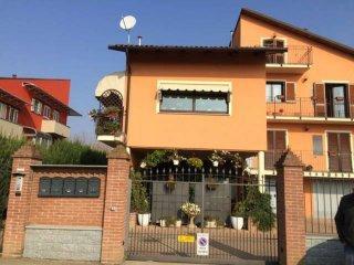 Foto 1 di Trilocale via rossini, Riva Presso Chieri
