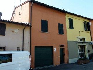 Foto 1 di Quadrilocale via Solferino, Imola