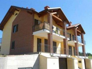 Foto 1 di Quadrilocale via roma, 5, Luserna San Giovanni