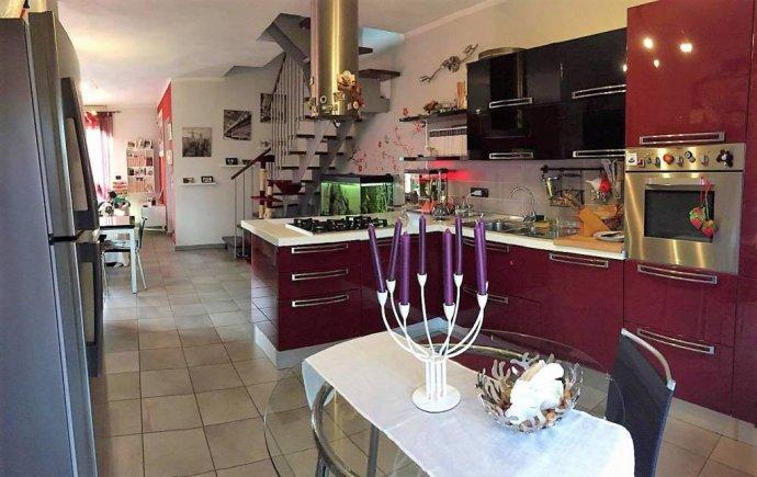 Busca, splendido appartamento su due livelli pari nuovo via Piave