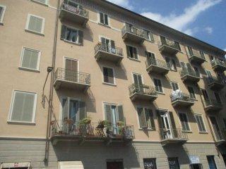 Foto 1 di Trilocale via Nizza 223, Torino (zona Valentino, Italia 61, Nizza Millefonti)