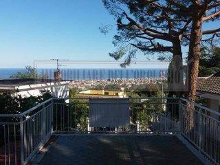 Foto 1 di Villa via Losano, Boissano