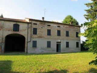 Foto 1 di Casa indipendente Reggiolo