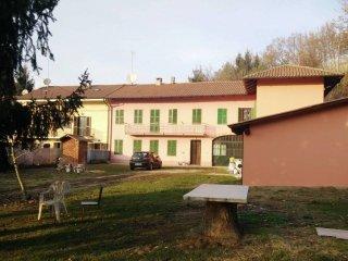 Foto 1 di Rustico / Casale via Calcini 7, frazione Valenzani, Castagnole Monferrato