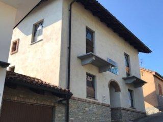 Foto 1 di Villa Via Roma, Montelupo Albese