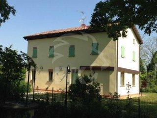 Foto 1 di Casa indipendente via degli Stradelli Guelfi, 22, Bologna