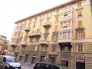 Foto 1 di Quadrilocale via Cornigliano, Genova (zona Cornigliano)