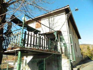 Foto 1 di Villa via giuseppe timossi, 21, Serra Riccò