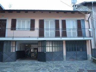Foto 1 di Trilocale vicolo Bert Celso 1, frazione Dubbione, Pinasca