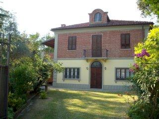 Foto 1 di Villa strada della Fontana, Pino D'asti