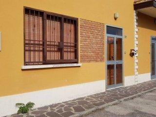 Foto 1 di Palazzo / Stabile via Provinciale Superiore 252, Molinella