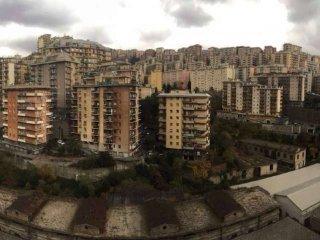 Foto 1 di Bilocale via Bari, Genova (zona San Teodoro)