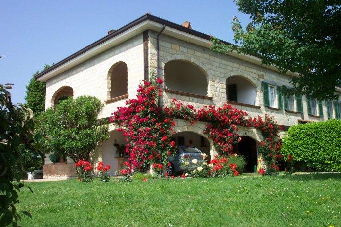 Foto 4 di Villa via Europa, Frassinello Monferrato