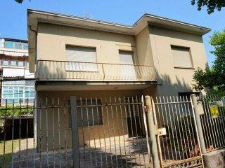 Foto 1 di Casa indipendente via Carmagnola, frazione San Giuliano A Mare, Rimini