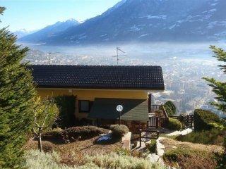 Foto 1 di Villa via Coutumier 6, Aosta