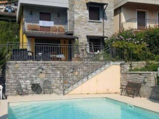 Foto 1 di Villa via valle sesia, Omegna