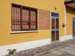 Foto 1 di Palazzo / Stabile via Provinciale Superiore 256, frazione Miravalle, Molinella