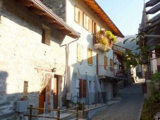 Foto 1 di Trilocale borgo Antey, frazione Bourg, Antey Saint Andrè