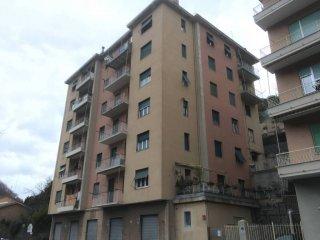 Foto 1 di Trilocale via Struppa, Genova (zona Valbisagno (Prato-Molassana-Struppa-S.Gottardo-S.Eusebio))