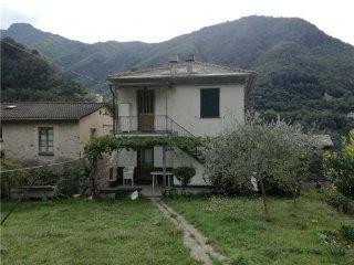 Foto 1 di Quadrilocale via Cassottano , 4, frazione Accereto, Favale Di Malvaro