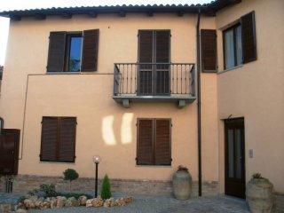 Foto 1 di Appartamento via Generale Stefano Degiani 14, Portacomaro