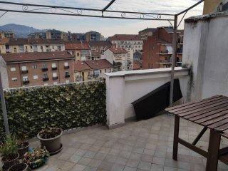 Foto 1 di Trilocale via Nizza 373, Torino (zona Valentino, Italia 61, Nizza Millefonti)