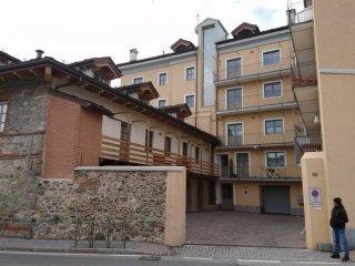 Foto 1 di Trilocale viale Federico Chabod 148, Aosta