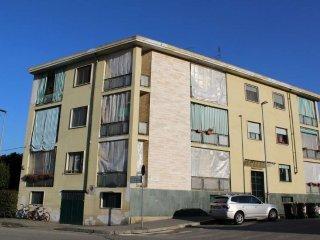 Foto 1 di Palazzo / Stabile via frassati, Torino (zona Precollina, Collina)
