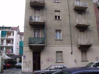 Foto 1 di Palazzo / Stabile via Bardonecchia, Torino (zona Parella, Pozzo Strada)