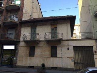 Foto 1 di Casa indipendente via Nicola Fabrizi 62, Torino (zona Parella, Pozzo Strada)