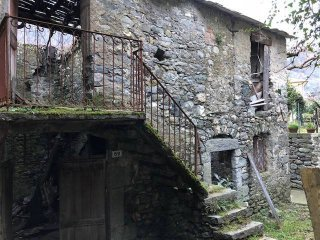 Foto 1 di Rustico / Casale via Mario Ginocchio, Mezzanego