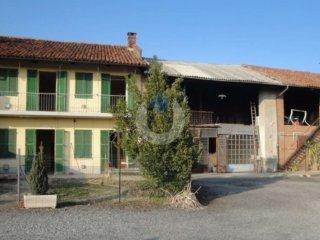 Foto 1 di Casa indipendente via Maestra 133, frazione Riva Di Pinerolo, Pinerolo