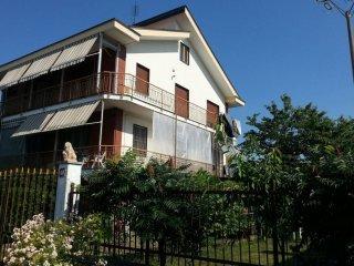 Foto 1 di Villa via 1 Maggio, Borgaro Torinese