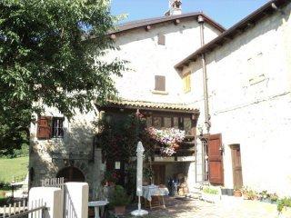 Foto 1 di Bilocale via Poggio Veggio, Grizzana Morandi