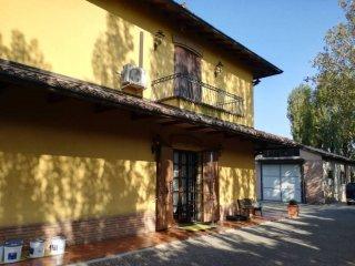 Foto 1 di Villa via Lame, frazione Funo, Argelato