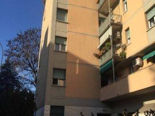Foto 1 di Quadrilocale via Benedetto Marcello, Bologna (zona Mazzini, Fossolo, Savena)